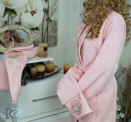 Комплект Халат за баня и хавлии Виктория Розово
